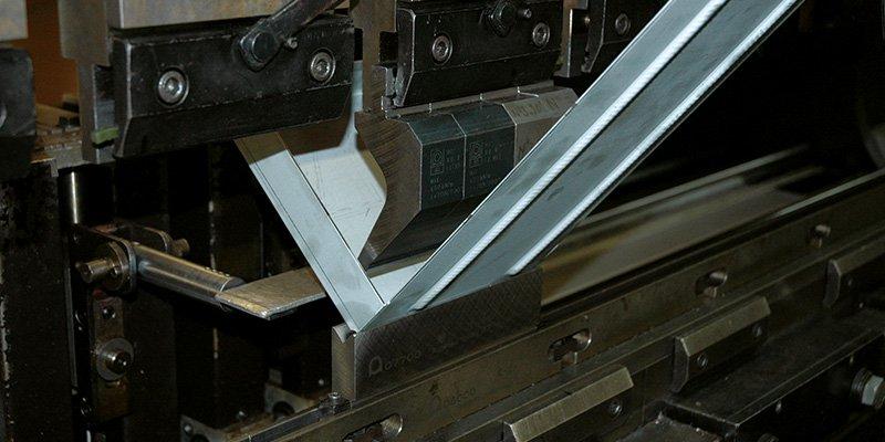 Programming CNC press brakes with almaCAM Bend - Almacam